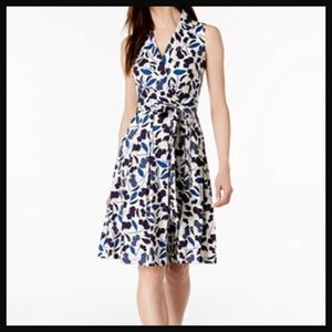 [NWT] ANNE KLEIN | blue floral pleated wrap dress